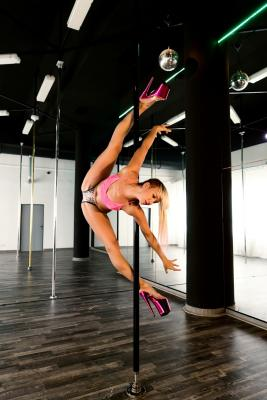 sport center DECADANCE Pole Dance Studio image
